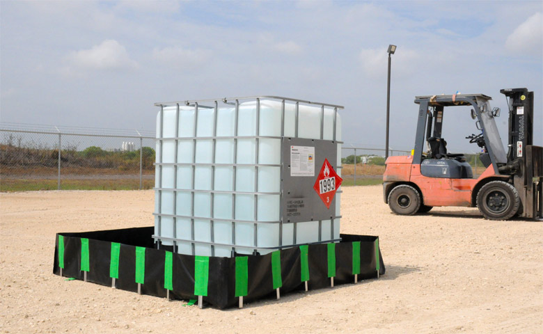 secondary containment for collapsible tanks